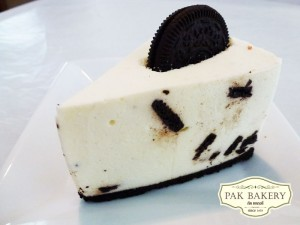 Oreo White Chocolate Mousse Cake